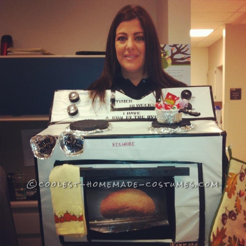 Pregnancy Costume Idea: A Bun in the Oven