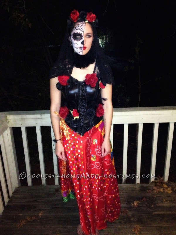 Impressive Homemade Dia de los Muertos Costume for a Woman