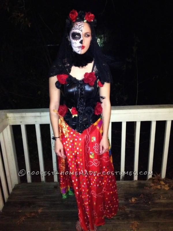 Impressive Homemade Dia de los Muertos Costume for a Woman