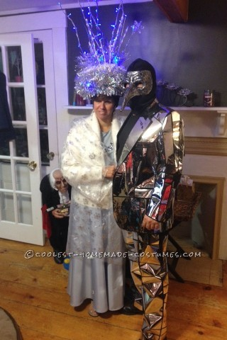 Original DIY Broken Mirror Costume Idea (7 Years of Bad Luck…)
