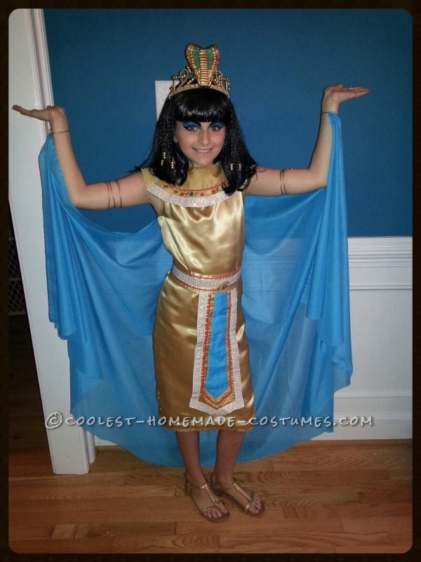 Homemade Cleopatra Queen of the Nile Costume for a Girl - 2
