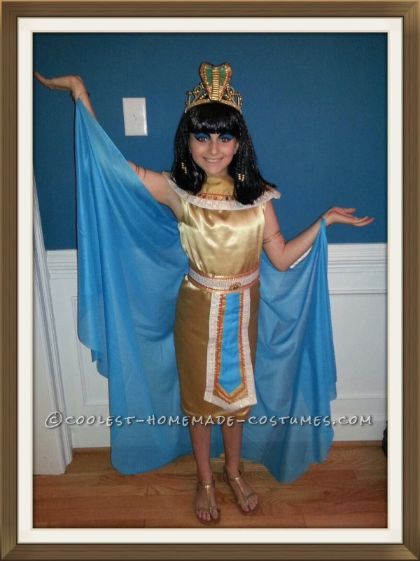 Homemade Cleopatra Queen of the Nile Costume for a Girl - 3