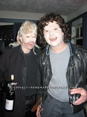 """Coolest Michael vs David Couples Costume from """"The Lost Boys"""" Movie"""