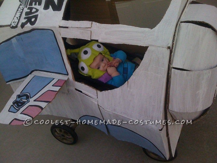 Coolest Baby Alien Costume from Toy Story (in Monster Ship Stroller!)