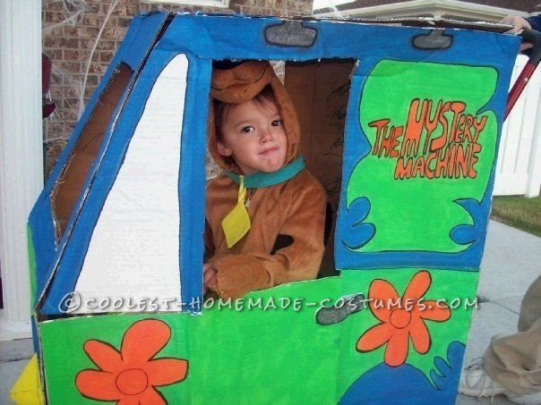 Coolest Baby Alien Costume from Toy Story (in Monster Ship Stroller!) - 4