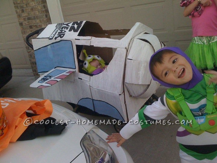 Coolest Baby Alien Costume from Toy Story (in Monster Ship Stroller!) - 5