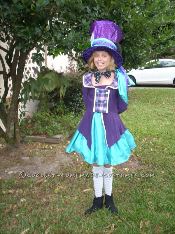 Coolest Mad-Hatter Costume for a Tween Girl - 1
