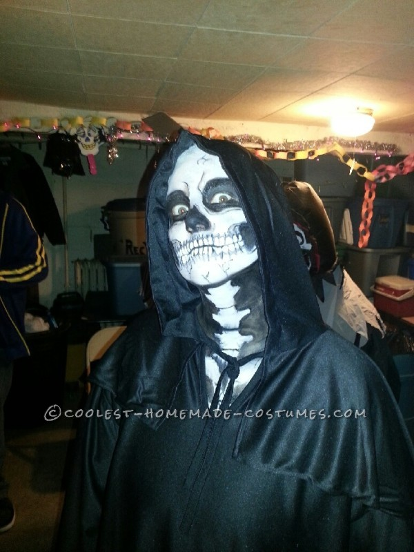 Creepy Skeleton Costume and Makeup - 1
