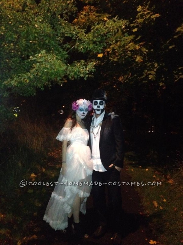Cool Homemade Day of the Dead Couple Costume - 1