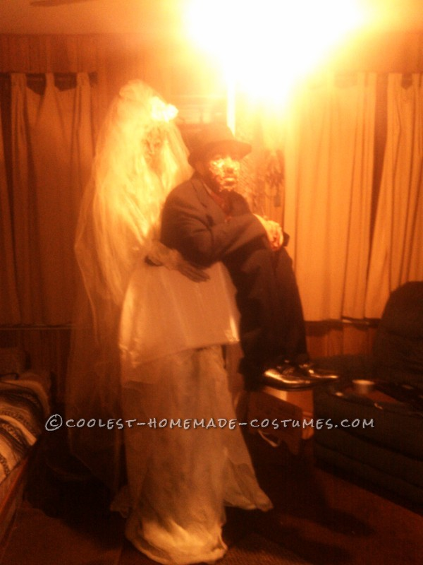 Dead Bride Carrying a Dead Groom in a Box Optical Illusion Costume - 2