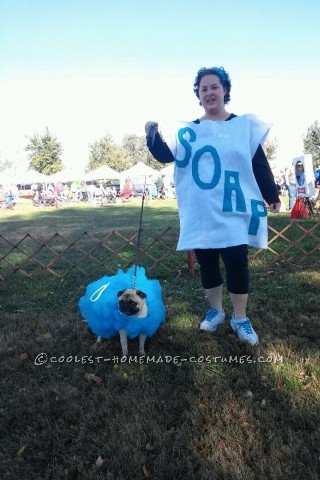 Fun Dog and Owner Couple Costume: Loofah and Soap