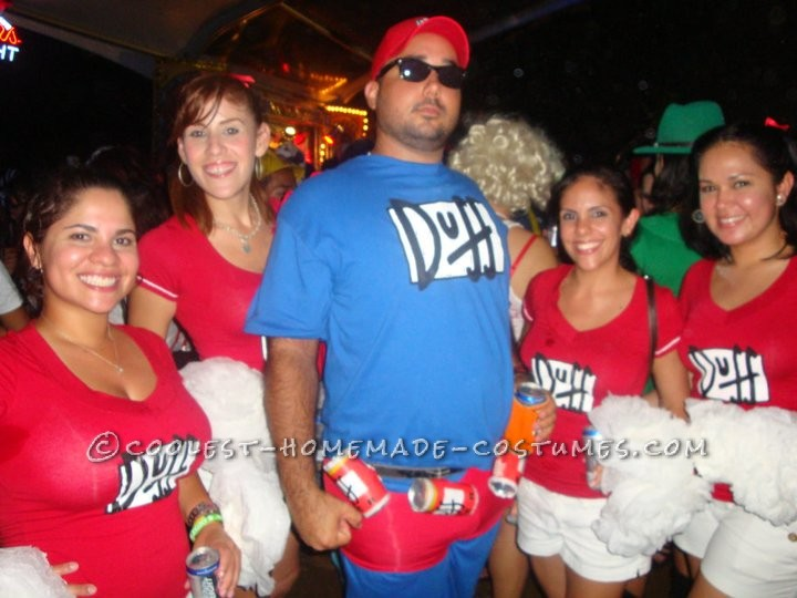 Coolest Homemade Duff Crew Group Costume Idea
