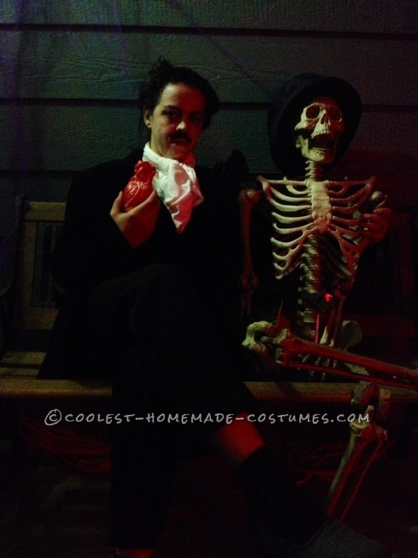 Easy and Creepy Edgar Allen Poe Costume