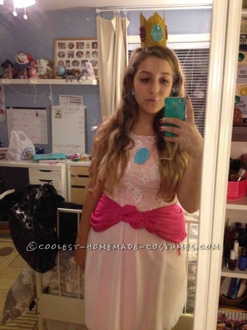 Easy Princess Peach Costume DIY