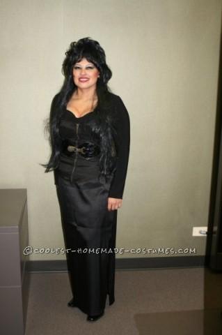 Cool Last-Minute Homemade Elvira Costume