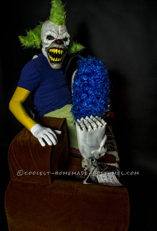 Awesome DIY Optical Illusion Costume: Evil Krusty the Clown and Simpsons