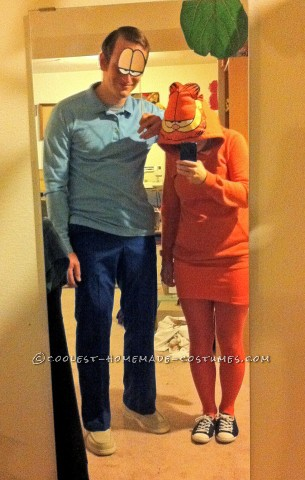 Cool Homemade Couple Costume Idea: Garfield and Jon Arbuckle
