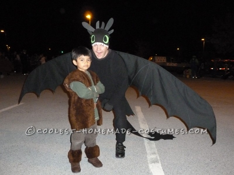 Hiccup and his dragon Toothless, ready to march in the Halloween parade