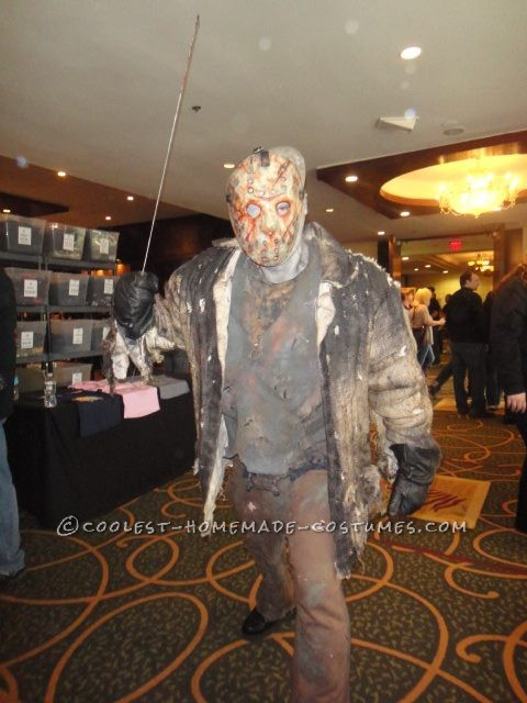 Scary Homemade Jason Voorhees Costume from Freddy vs. Jason