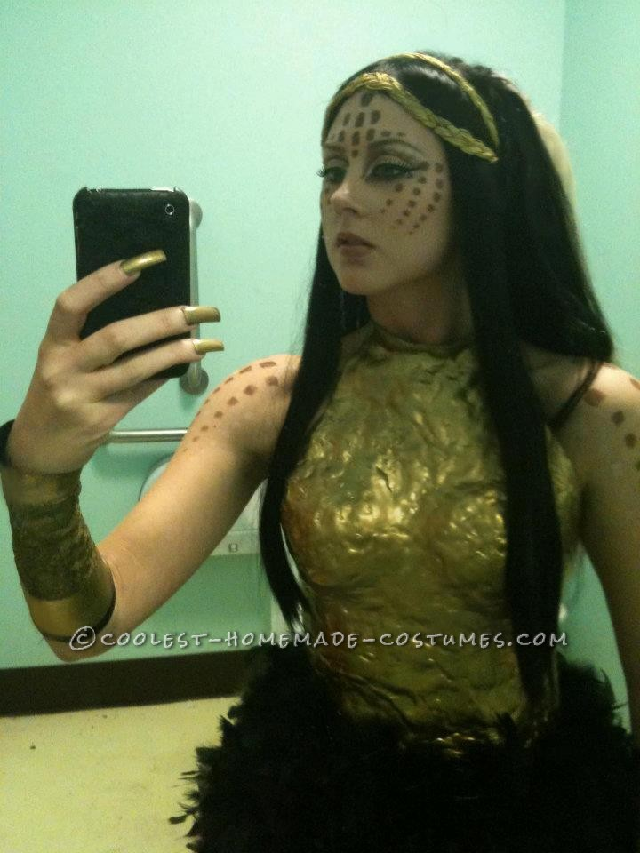 """Katy Perry Costume Inspired by the """"Alien"""" Video"""