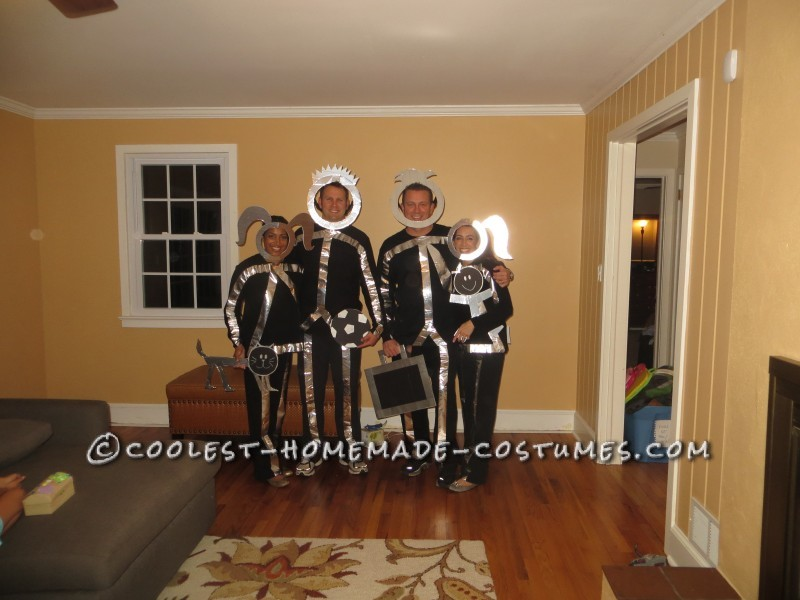 Easy and Original Group Costume Idea: Minivan Stick Figure Family Costume - 2