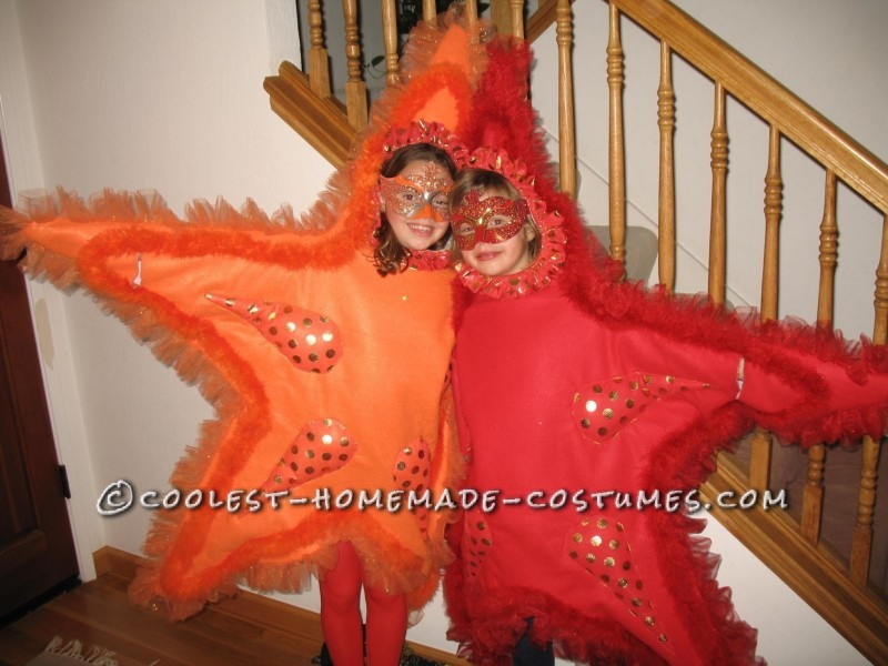 Awesome DIY Costume for Two Girls: Two Sea Stars