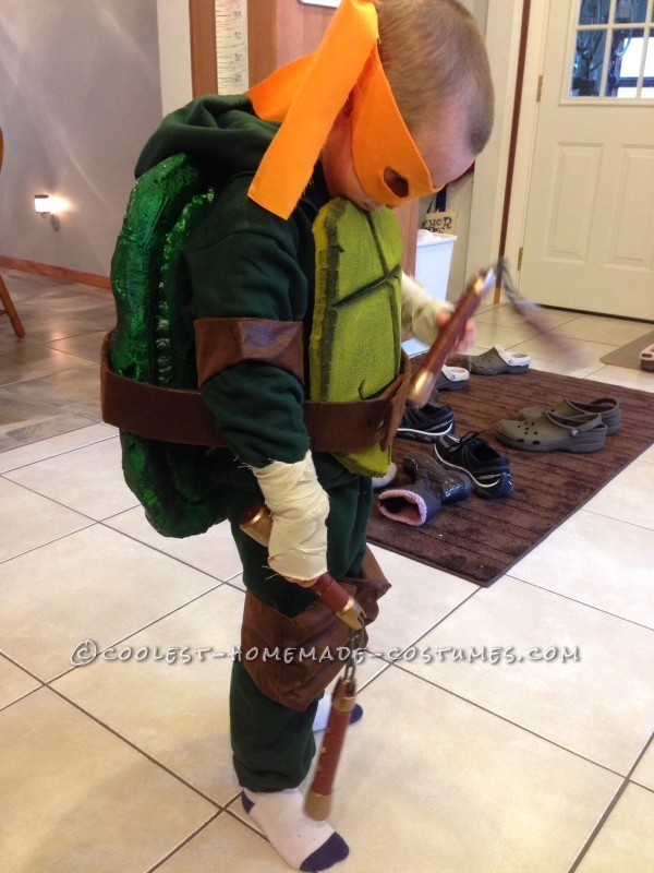 Cool Homemade Ninja Turtles Costumes for Two Children - 1