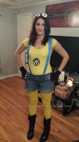 No-Cost Homemade Minion Costume for a Woman