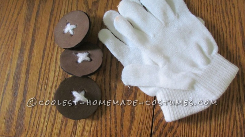Buttons & gloves