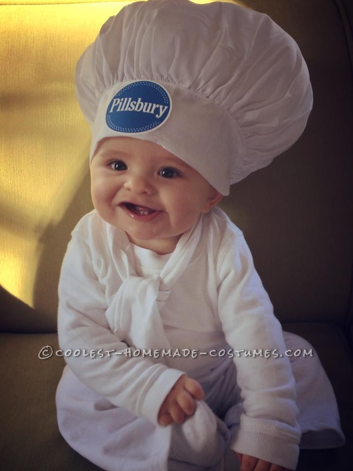 Cute Pillsbury Doughboy Baby Costume (and Mom the Baker)