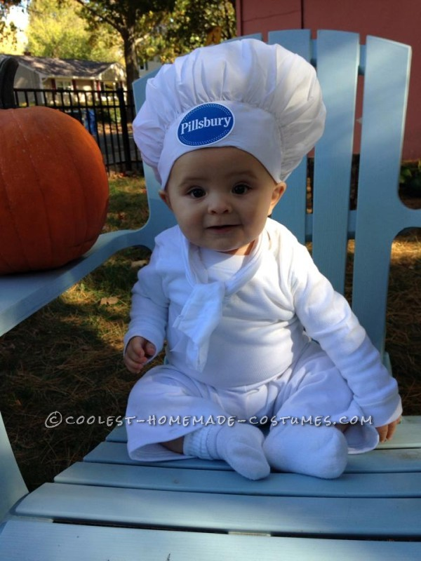 Cute Pillsbury Doughboy Baby Costume (and Mom the Baker)