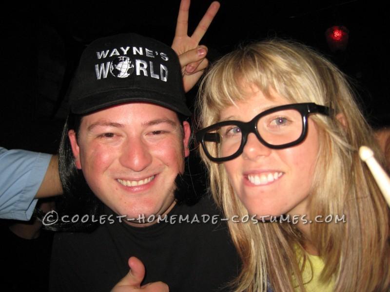 Super Easy (and Comfy) Homemade Couples Costume: Wayne's World
