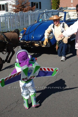 No-Sew Buzz Lightyear Costume for a Toddler