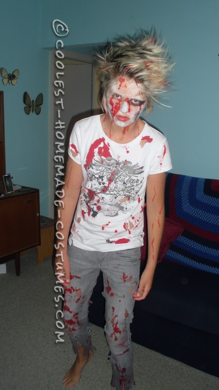 Easiest and Cheapest Homemade Costume: Zombie Girl - 1