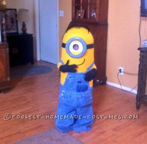 5 Year Old's Kick Tushy Minion Halloween Costume