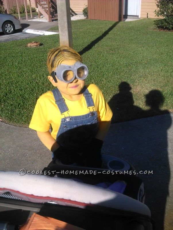 Simple Minion Costume with Real Safety Goggles - 1