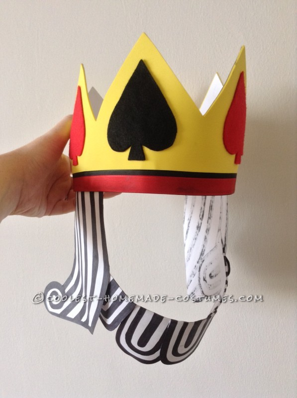Harry's crown with hair and beard. All paper, foam and felt!