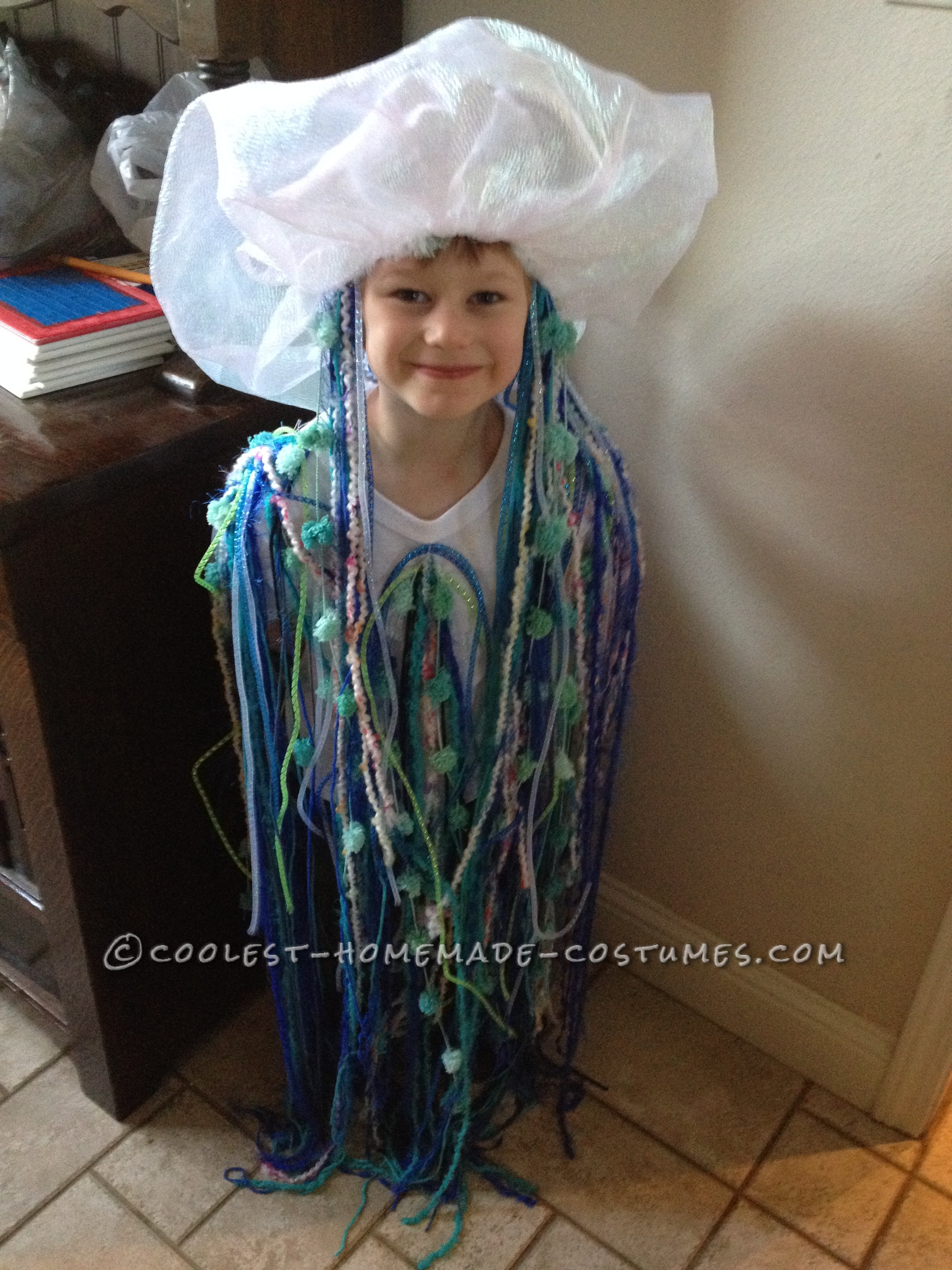 Adorable and Easy to Make Jelly Fish Costume