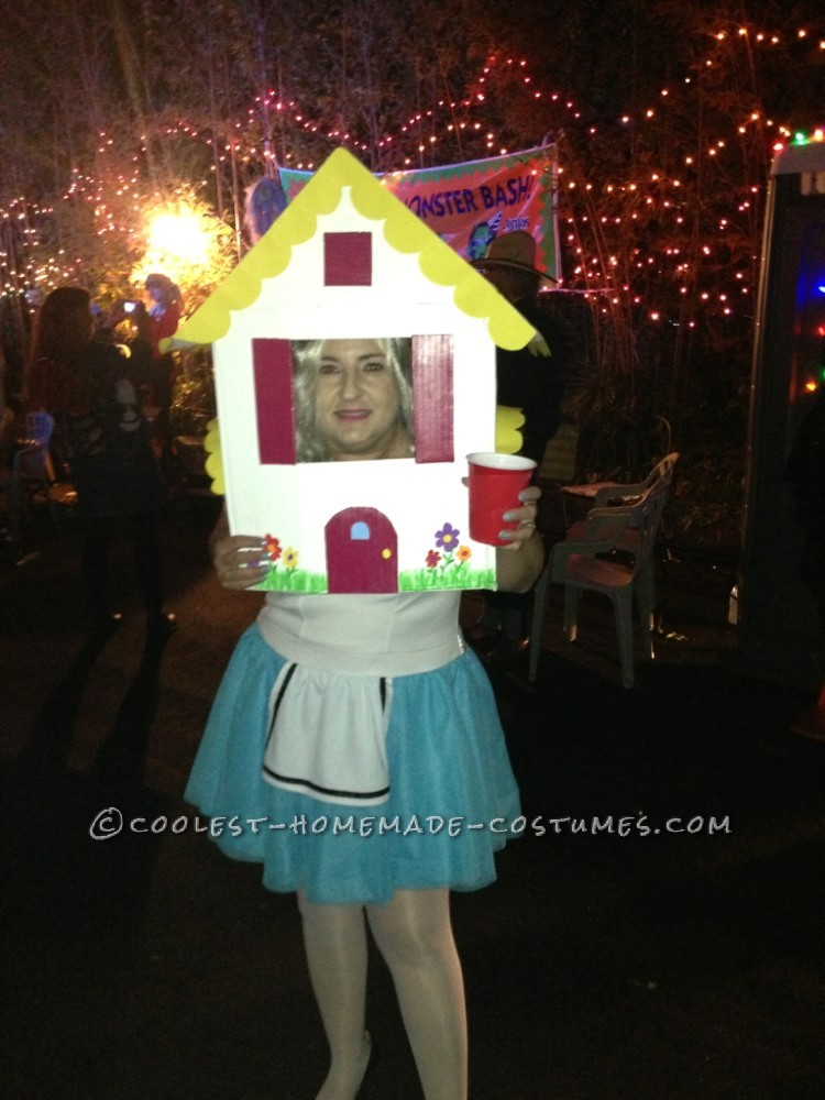 Cool Alice in Wonderland Costume: Alice Grew Too Big for the House!