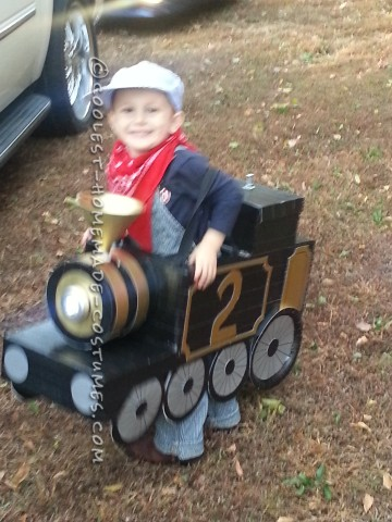 Awesome Halloween Steam Locomotive Train with a Little Engineer!