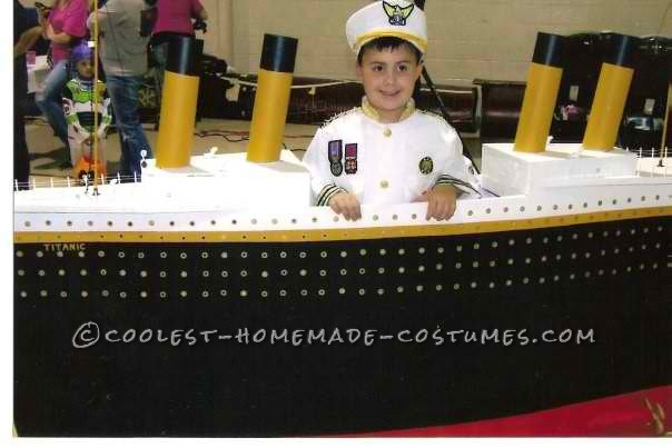 Captain of the Unsinkable Titanic Costume