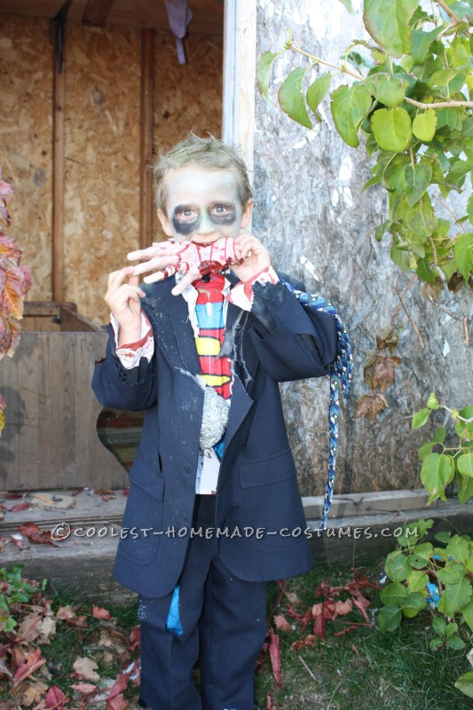 Creepy Clark Kent Superman Zombie Costume