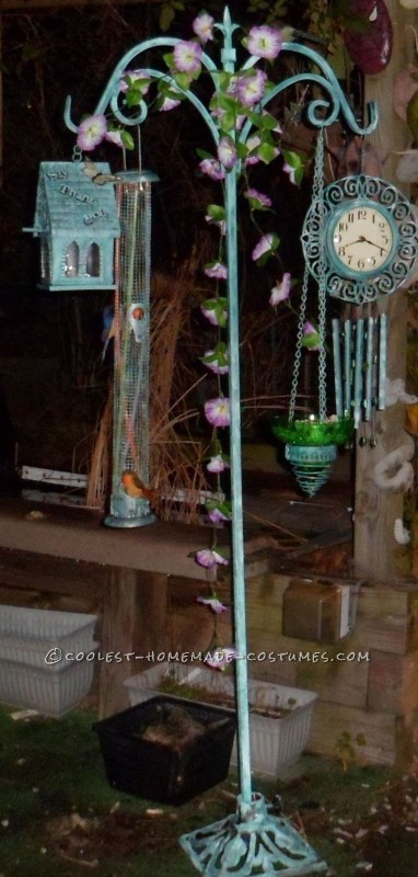 Garden Pole With Birdfeeders, Clock Wind-chimes and Bird House