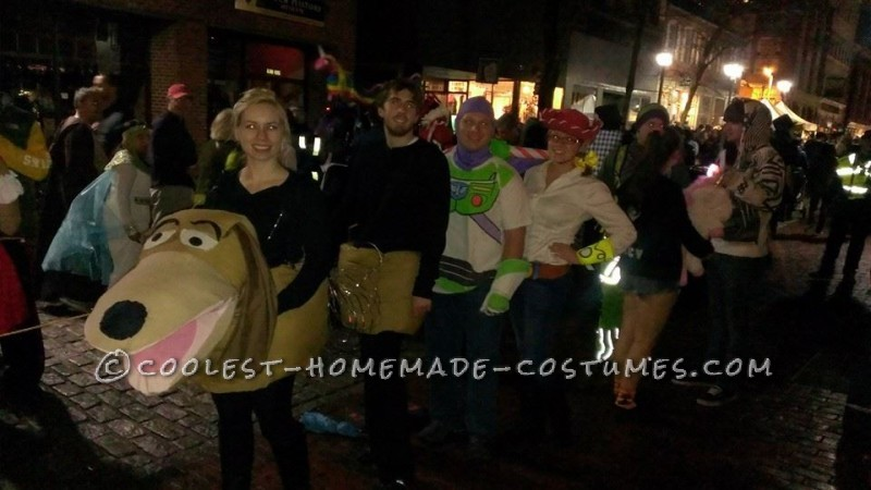 Cool Homemade Couples Slinky Dog Costume