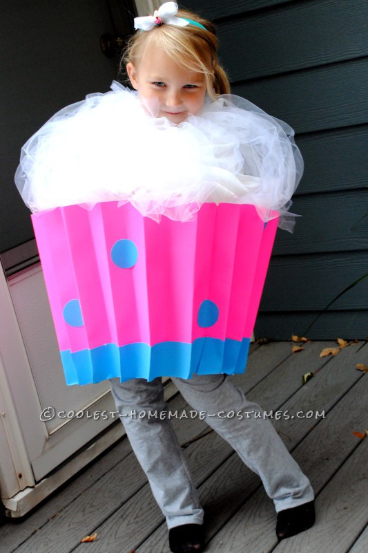 Cute Last-Minute Cupcake Costume - 2