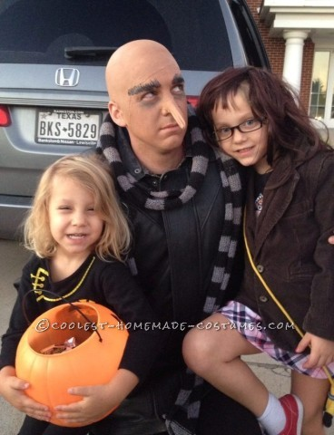 Cool Despicable Us Family Costume