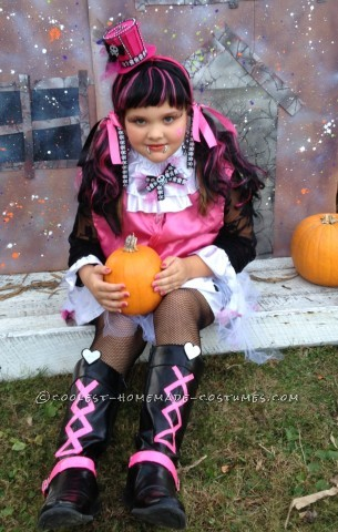 Draculaura Monster High Doll Costume and Makeup