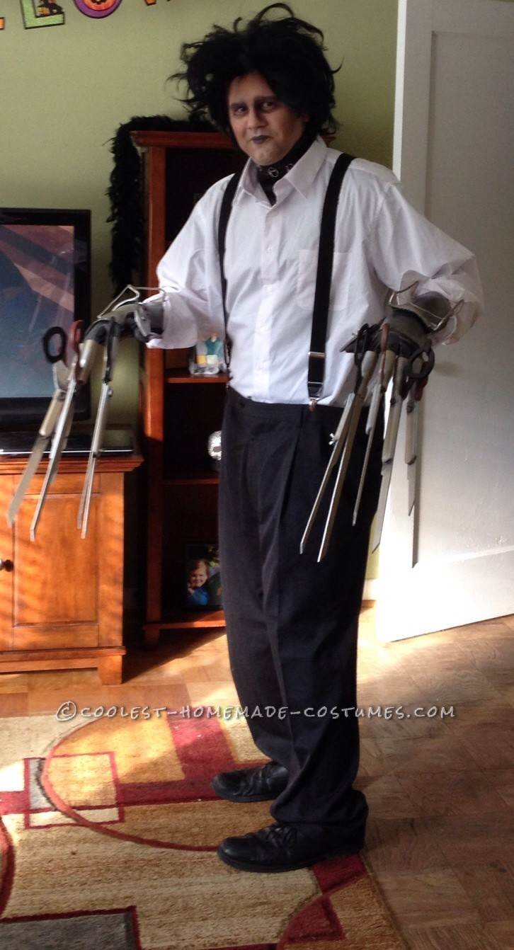 Cool DIY Edward Scissorhands Halloween Costume
