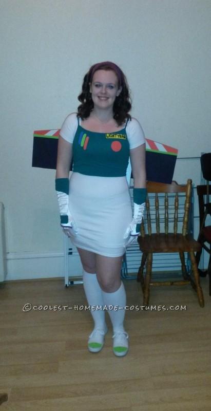 Cool DIY Female Buzz Lightyear Costume