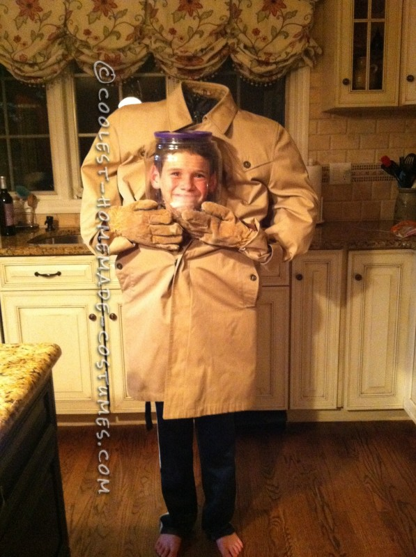Cool DIY Costume: Freak Your Friends Out as You Carry Your Head in a Jar!